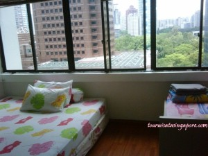 kamar apartmen lucky plaza berempat lantai 21
