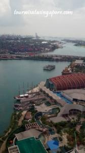 pemandangan atas cable car pelabuhan barang singapore