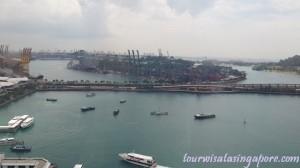 pemandangan atas cable car pelabuhan ferry