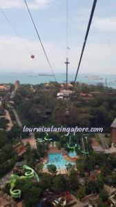 pemandangan atas cable car pulau sentosa pantai